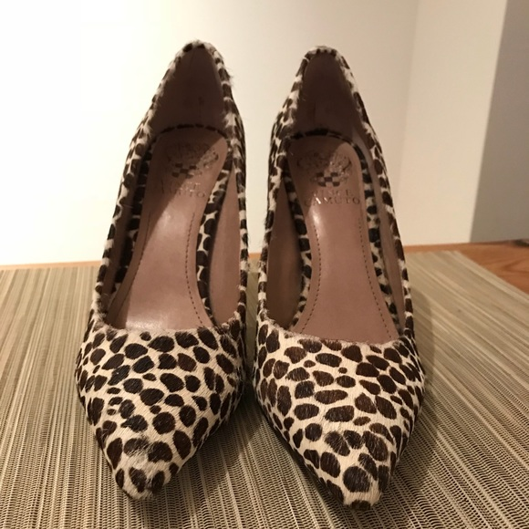241688092ae Vince Camuto Calf Hair Leopard Print Pumps. M 5aa85d8445b30ce197ce0e7b